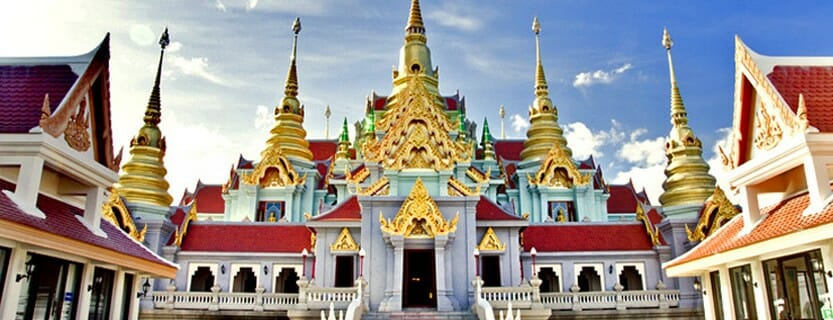Top 8 Bangkok Temples and What to wear when visiting!