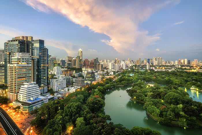 Overview of Lumpini Park in Bangkok