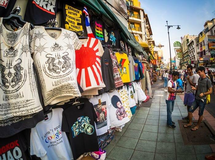 Shopping in Khao San Road, Bangkok