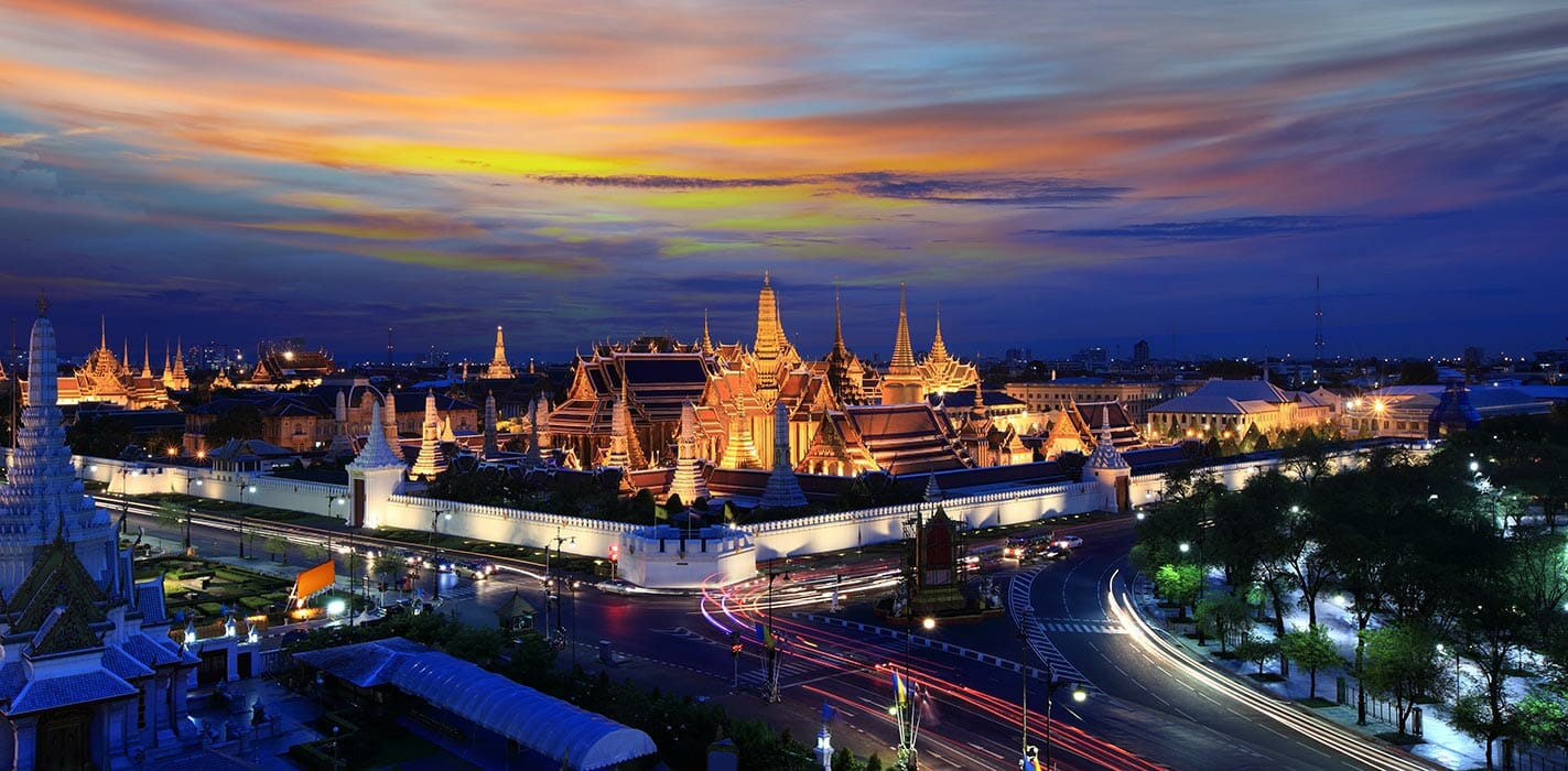 There are also over 400 wats (the Thai word for temple) in the country's capital | Bangkok Attractions